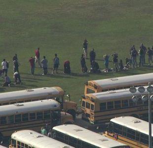 [VIDEO] Diez muertos deja tiroteo en escuela secundaria de Texas, Estados Unidos