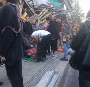 Emergencia en Santiago centro: Andamio cae en Santo Domingo con Teatinos