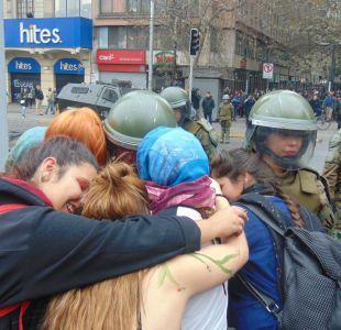 Carabinera viralizada tras marcha feminista: La gente necesita más abrazos
