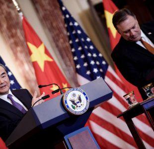 El secretario de Estado de EE.UU, Mike Pompeo y el ministro de Relaciones Exteriores de China, Wang Yi speaks.