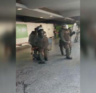 [VIDEO] Sillazos y bombas lacrimógenas: Los incidentes durante el desalojo del Instituto Nacional