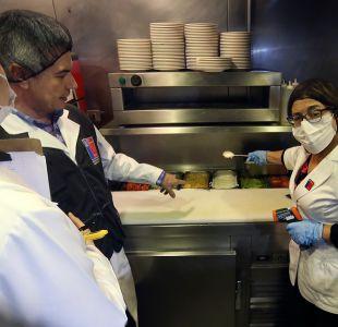 Día del completo: Minsal detecta heces de ratón en fuente de soda y prohíbe su funcionamiento