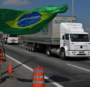 Discrepancias entre camioneros retardan el fin de la huelga en Brasil
