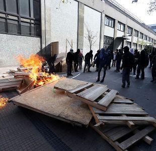 [VIDEO] Nuevos incidentes entre estudiantes y Carabineros en Instituto Nacional