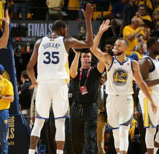 Warriors pega primero en final de la NBA al vencer a los Cavs en tiempo extra