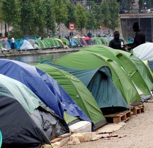 Policía evacúa dos campamentos con un millar de inmigrantes en París