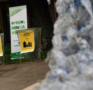 Providencia anuncia el fin de las botellas plásticas en el comercio de la comuna
