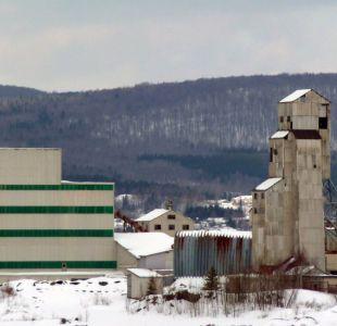 Asbestos, la ciudad más peligrosa de Canadá que trata de escapar de su mortífera reputación