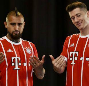 [VIDEO] El afectuoso saludo entre Vidal y Lewandowski en amistoso Chile-Polonia