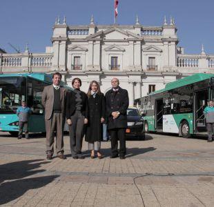 Usuarios del Transantiago califican con nota 6,3 los buses eléctricos