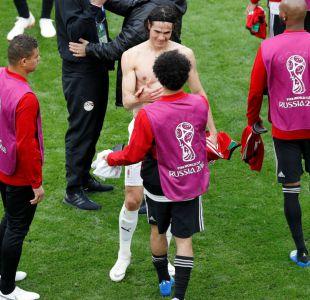 [FOTO] El emotivo abrazo entre Salah y Cavani tras duelo Egipto-Uruguay