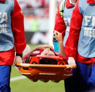 [VIDEO] El duro choque que obligó a jugador de Dinamarca a abandonar el partido frente a Perú