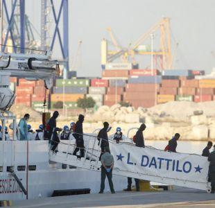 Los 630 migrantes del Aquarius llegan finalmente a puerto en España