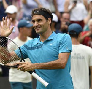 Federer celebra su vuelta al número uno del mundo ganando su título 98