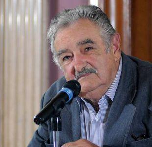 Mujica visita a Lula en prisión para entregarle su apoyo