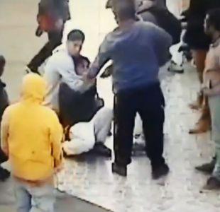 [VIDEO] Carabinero de civil detiene a sujeto que robó celular a estudiante en bus del Transantiago