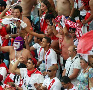 [VIDEO] El enojo peruano por una hincha que en Rusia juega en su celular en vez de mirar el partido