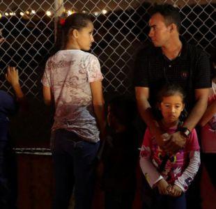 Tribunal estadounidense ordena reunir a niños inmigrantes separados de sus padres en menos de un mes