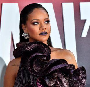 Rihanna causó furor con el lanzamiento de su línea de juguetes sadomasoquistas