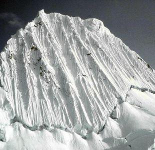 Encuentran muertos a dos montañistas europeos y un guía peruano en nevado de Perú