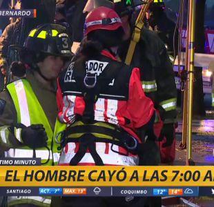 [VIDEO] Rescatan a hombre que cayó a socavón en San Bernardo