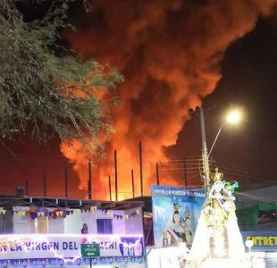 [VIDEO] Incendio afecta a inmuebles durante celebración de fiesta de La Tirana