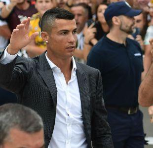 [FOTOS] Insólito: Así reciben en Nápoles a Cristiano Ronaldo