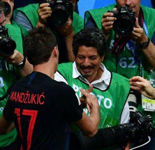 La gran invitación de Croacia al fotógrafo que fue aplastado por sus jugadores
