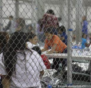 Gobierno de EE.UU. devuelve 364 niños migrantes mayores de 5 años a sus padres