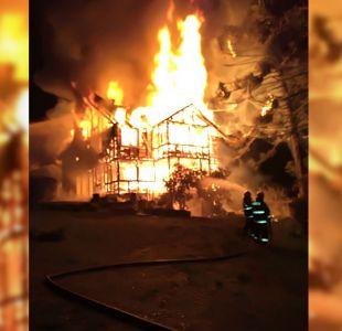 [VIDEO] Desconocidos queman casa de fundo ubicado en Contulmo