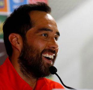 Bravo se pone fecha para volver a La Roja y revela qué cosa le dolió más que la lesión