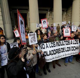Familiares de detenidos desaparecidos protestan contra libertad condicional de presos de Punta Peuco