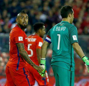 Claudio Bravo vs. Arturo Vidal: la carrera por ser el futbolista chileno más ganador de la historia