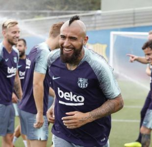 Un buen comienzo: Arturo Vidal celebra la Supercopa de España