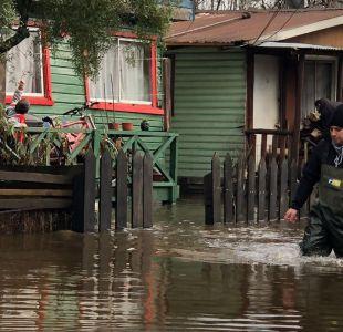 [VIDEO] Inundaciones y desbordes: Las imágenes del sistema frontal en el sur del país