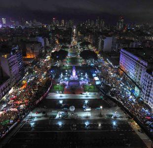 ¿Pañuelos verdes o celestes? Las manifestaciones por el aborto en Argentina vistas desde el aire