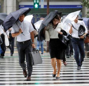Tifón Shanshan llega a las costas de Japón