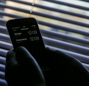 [VIDEO] Cambio de hora 2018: Así debes ajustar tu teléfono para no sufrir con la desconfiguración