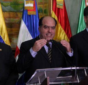 Venezuela pide a Colombia extradición de diputado acusado por Maduro