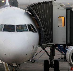 [VIDEO] Pasajero relató situación en avión en que murió niña de 14 años