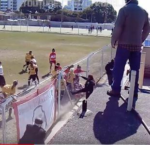 [VIDEO] Batalla campal en fútbol femenino en Argentina deja a cuatro jugadoras en el hospital
