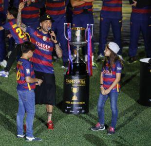 [FOTO] El mensaje con el que Dani Alves le recuerda a Messi quién es el más ganador