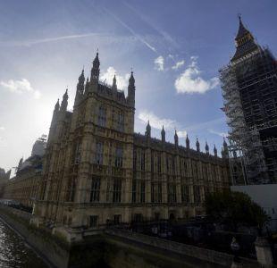 Detienen a hombre que atropelló ciclistas y chocó contra sede del Parlamento en Londres