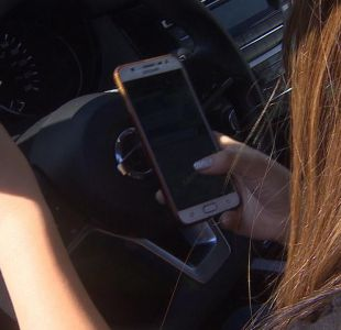 [VIDEO] Chatear al volante: podrían subir multas