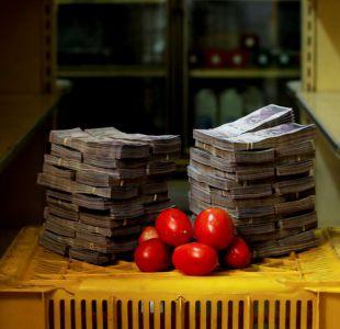 [FOTOS] ¿Cuántos billetes se necesitan para comprar objetos de primera necesidad en Venezuela?