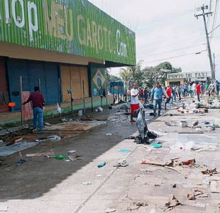 [FOTOS] Brasileños en Pacaraima atacan campamentos de inmigrantes de Venezuela