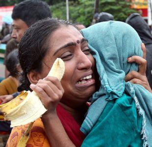 Ayúdenme, la gente en mi lugar morirá: 5.000 personas siguen varadas por las lluvias en India