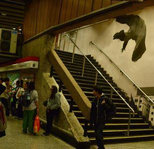 [FOTOS] Metro de Santiago inaugura nuevo mural en estación Baquedano