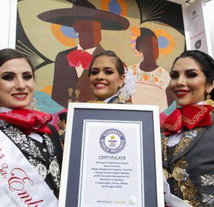 [FOTOS] Guadalajara rompe récord Guinness con el mosaico de chaquira más grande del mundo
