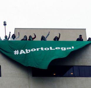[FOTOS] Aborto libre: El nuevo enfrentamiento entre pañuelos verdes y celestes en la Cámara Baja